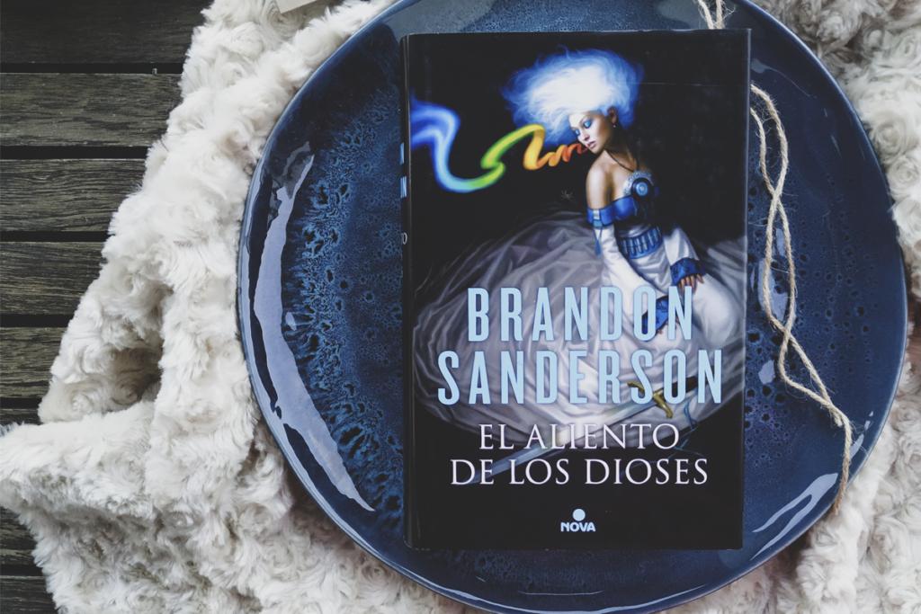 aliento-dioses-libro-brandon-sanderson